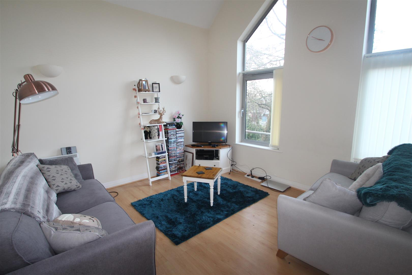 2 Bedrooms Flat for sale in Duns Lane